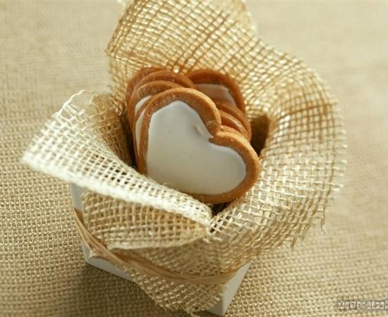 http://moniquebeauchamp.org/img2/biscuits-coeur-paulegavet.jpg