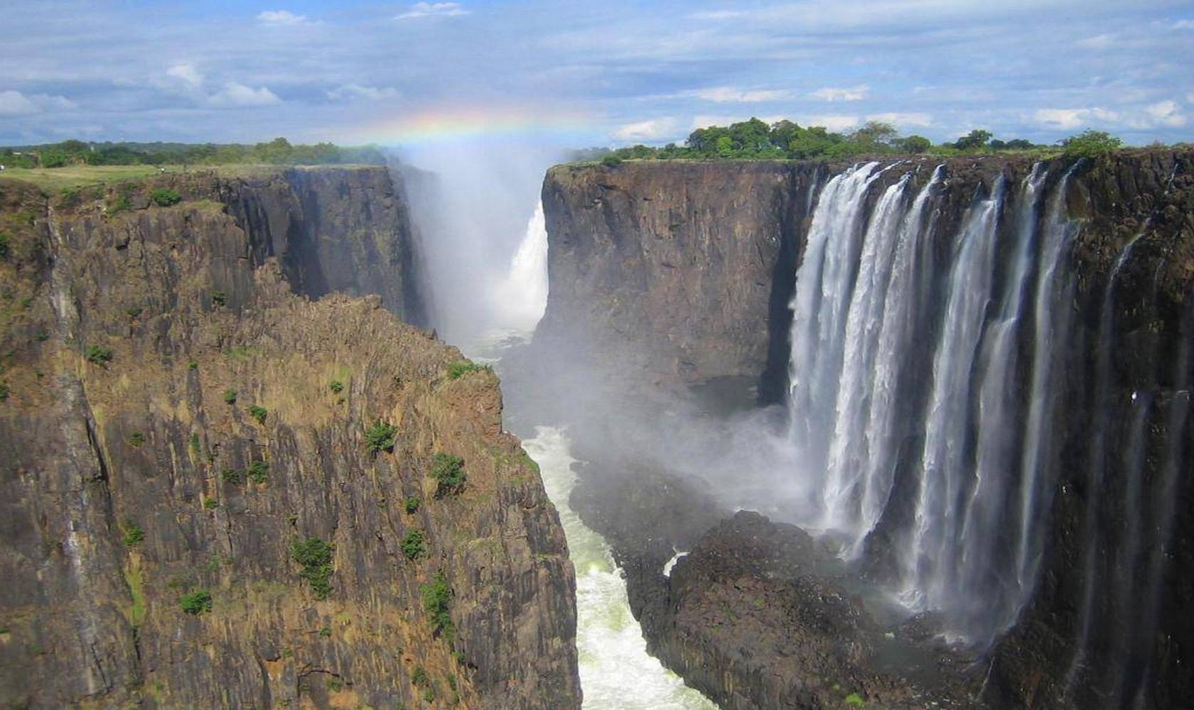 Africa_Chutes_Victoria_003-1680-1000.jpg