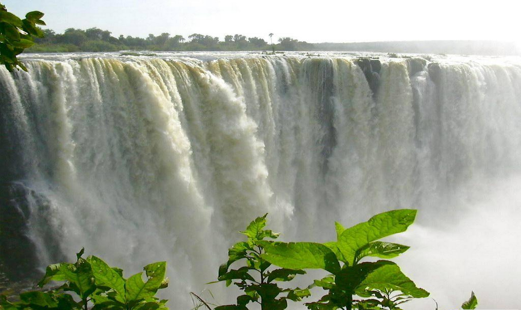 Africa_Chutes_Victoria_008-1680-1000.jpg