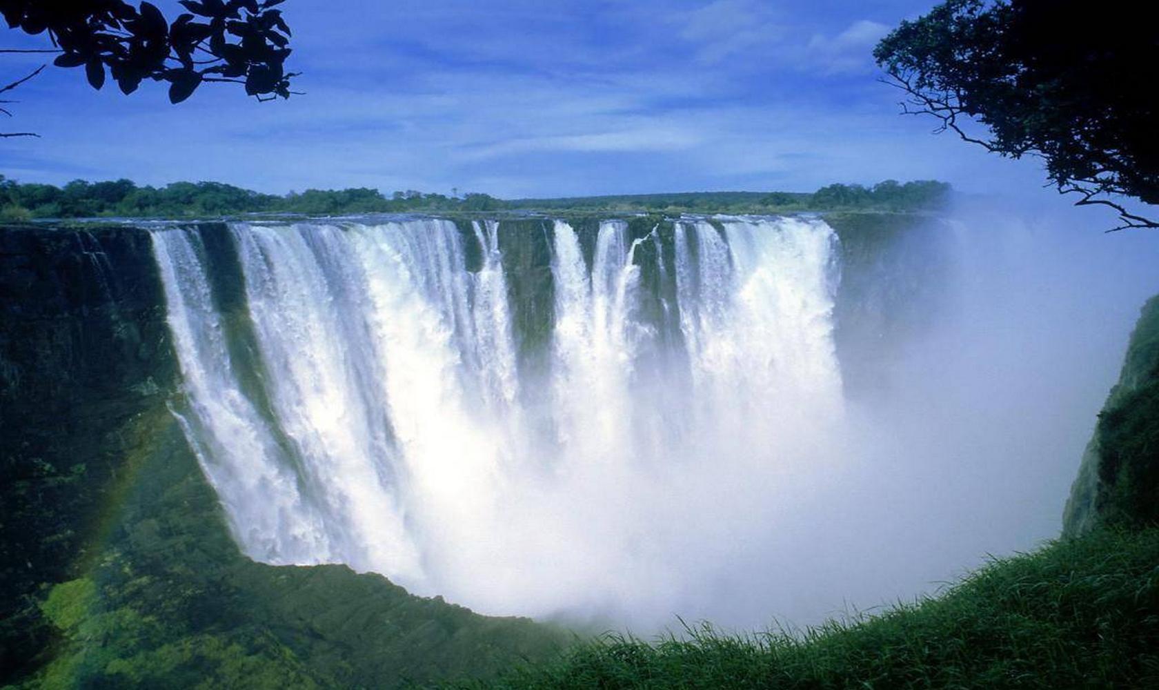Africa_Chutes_Victoria_012-1680-1000.jpg