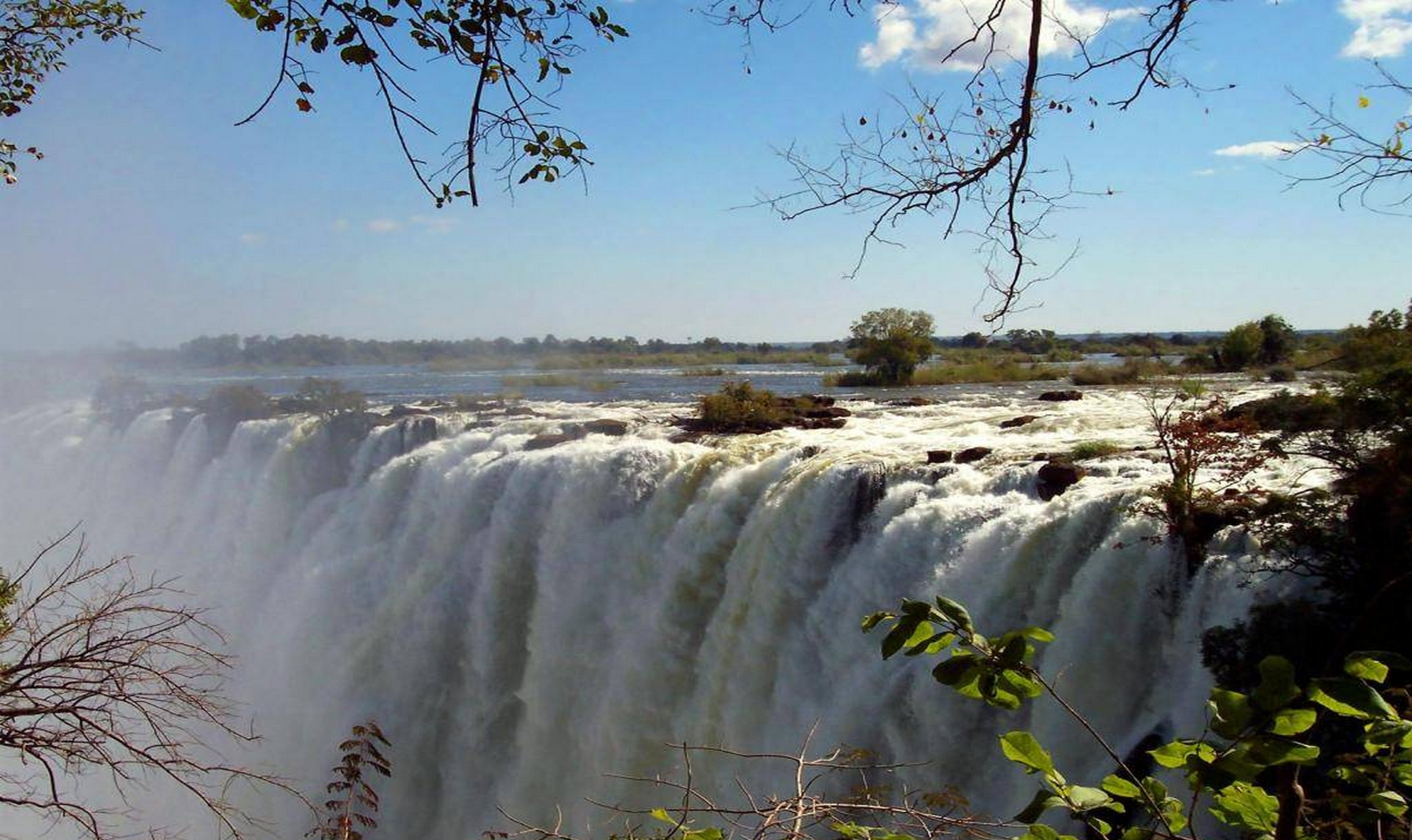 Africa_Chutes_Victoria_014-1680-1000.jpg