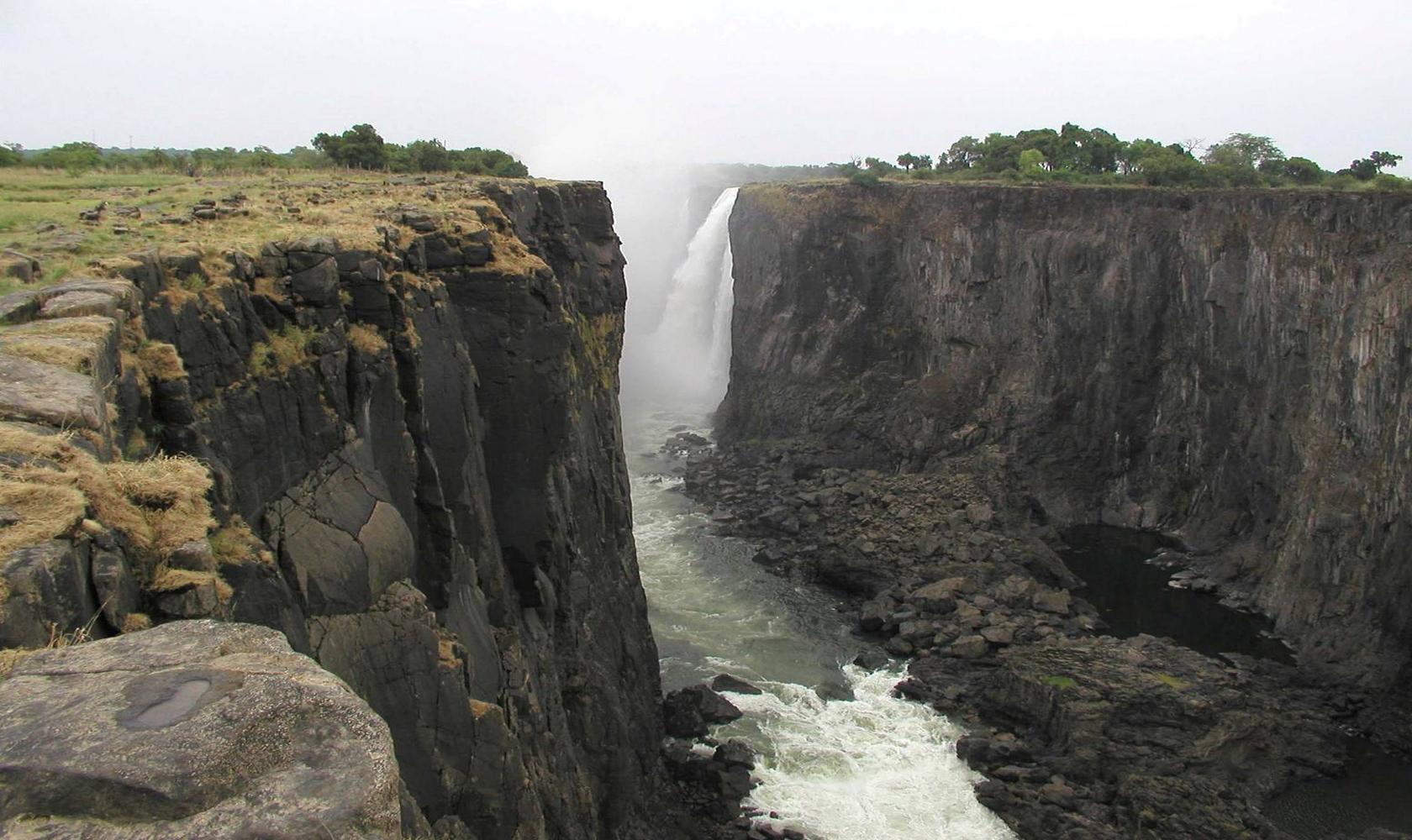 Africa_Chutes_Victoria_017-1680-1000.jpg